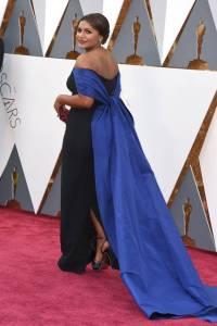 Oscars Mindy back